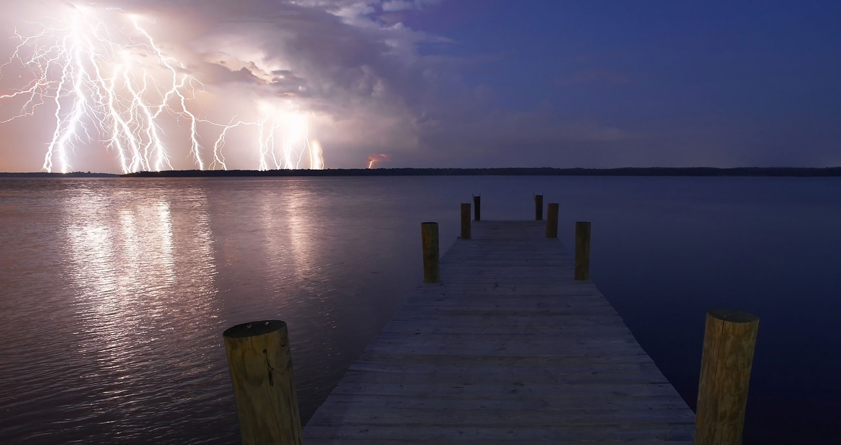 Perfect Storm by Leanne Yeoman at Spillwords.com