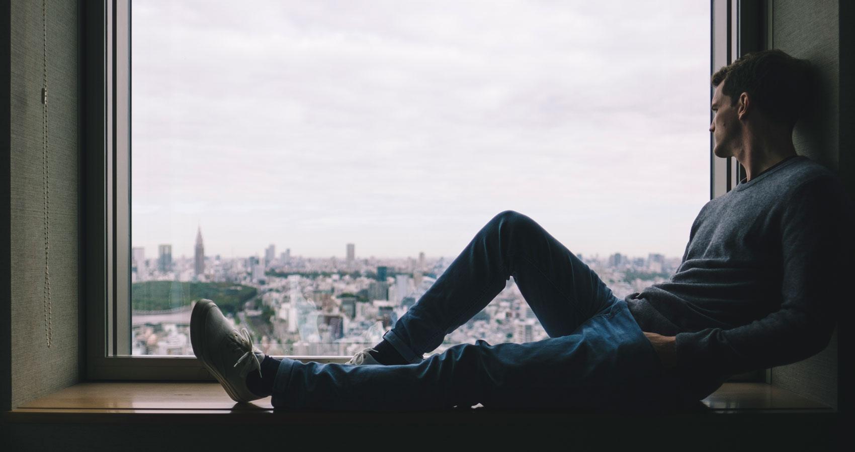 Hay lugares, sonidos, olores, personas que nos duelen, by Uslariono at Spillwords.com