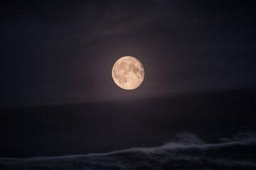 Soneto de Constelação Amorosa written by Léa Ferro at Spillwords.com