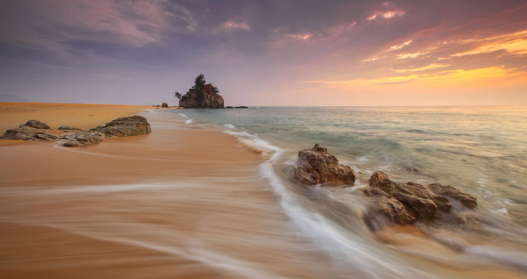 Soy Tempestad Y Tu Playa, written by Uslariono at Spillwords.com