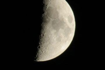 Moon Dreams written by Greg Massey at Spillwords.com