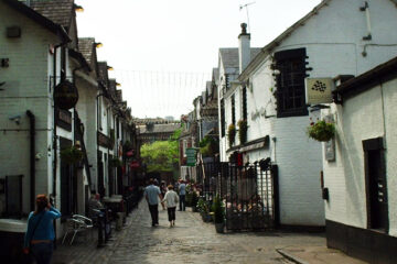 Chanting At Ashton Lane, written by Eoghan Lyng at Spillwords.com