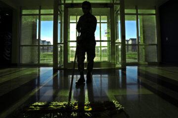 Green Mop, a poem written by Dan Leicht at Spillwords.com
