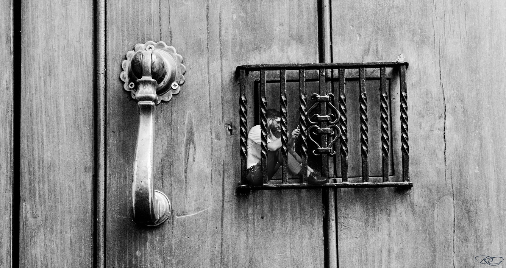 Knocking On The Madhouse Door by Aurora Kastanias at Spillwords.com