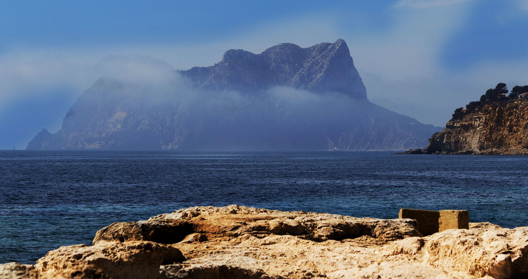 Moraira, a poem written by Steve Pearson at Spillwords.com