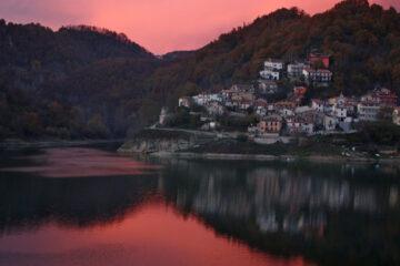 Ferragosto e Fuori Piove, written by Francesco Abate at Spillwords.com