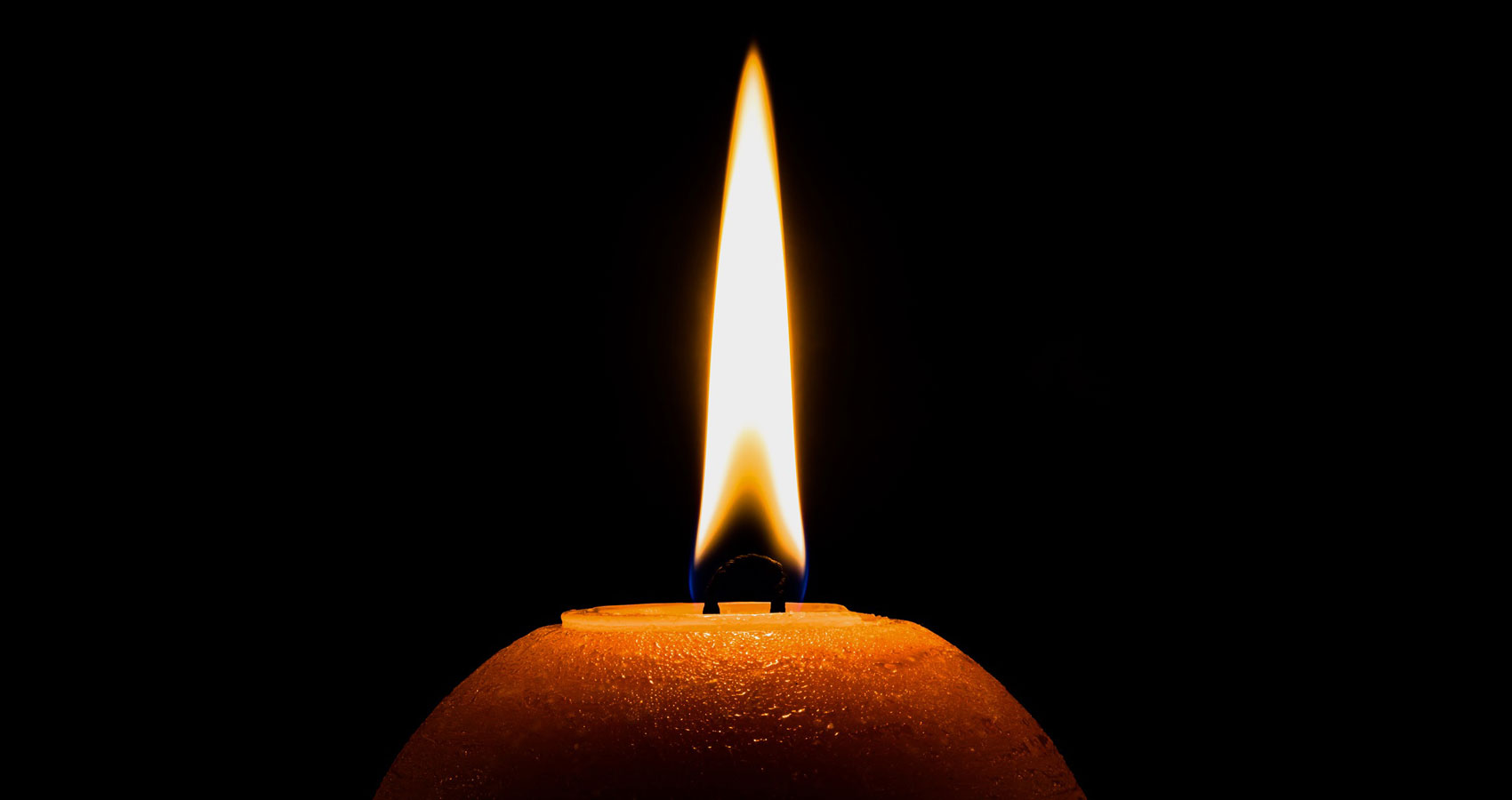 Candlelight, a poem written by Barbara Deraoui at Spillwords.com