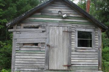 The Cabin, a haiku written by John R. Cobb at Spillwords.com