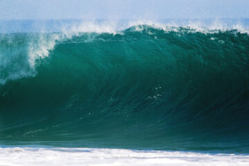 Waves, a haiku written by L.M. Giannone at Spillwords.com