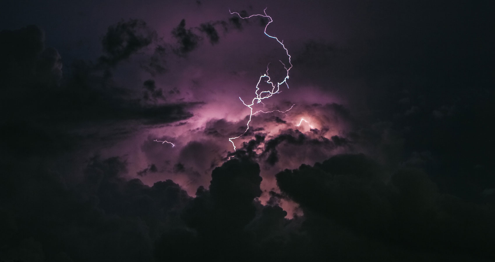 The Storm, poetry written by Immortal Magpie at Spillwords.com
