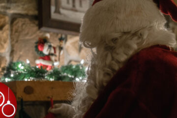 Santa's Watchin..., poetry written by Hema Ravi at Spillwords.com