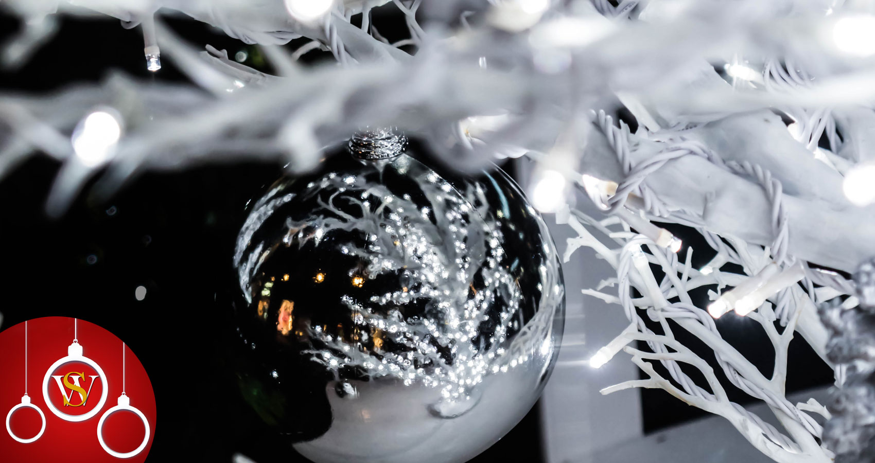 Silver Baubles, a poem written by Lynn White at Spillwords.com
