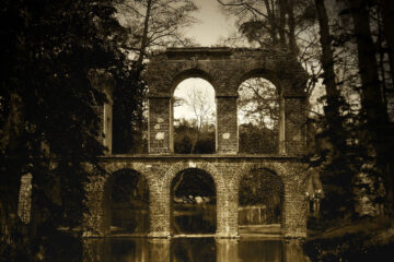 Aqueduct, a poem written by Eliza Segiet at Spillwords.com