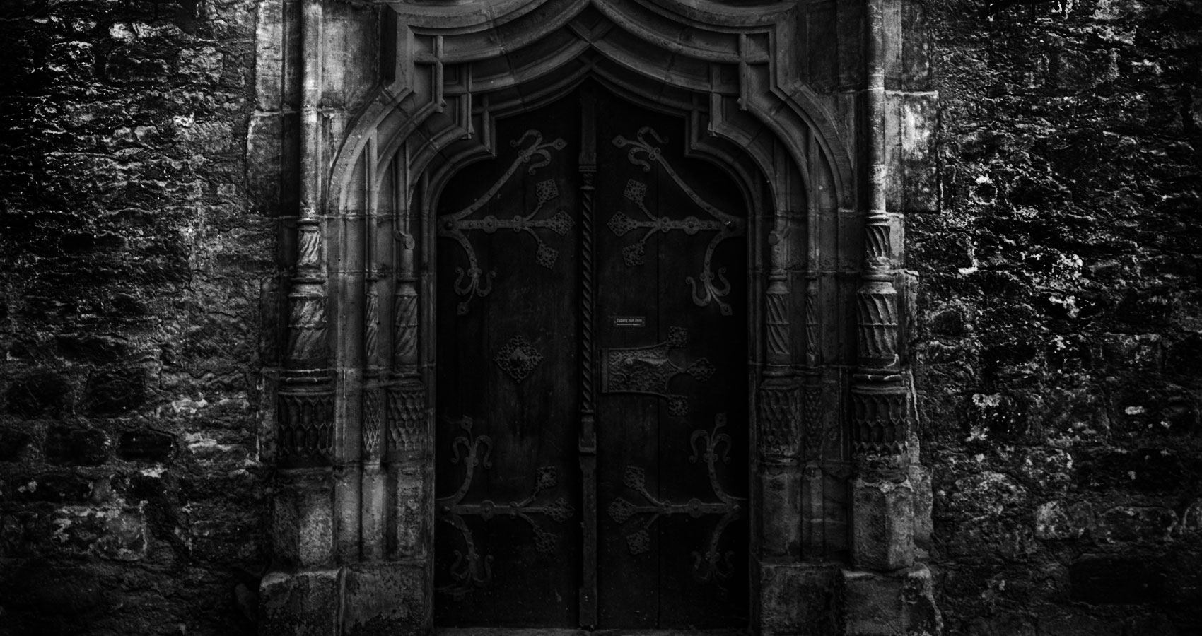 The Door and The Darkness, poetry by Luiz Syphre at Spillwords.com