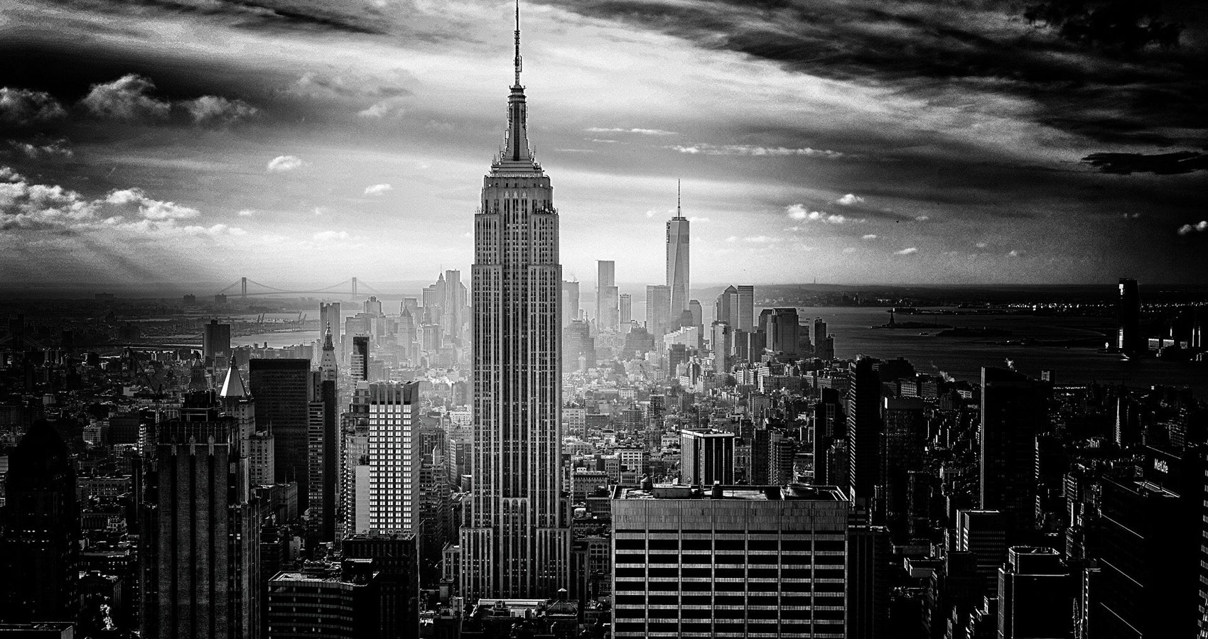 New York City Shrouded In The Mist, poetry by Thaddeus Hutyra at Spillwords.com