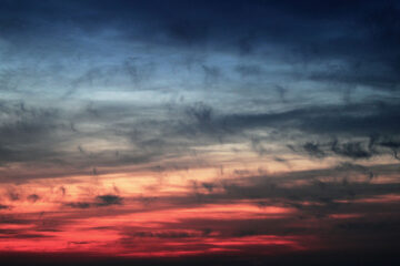 The Gloaming, a poem written by Anne G at Spillwords.com