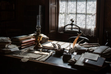 Desk, a poem written by Eliza Segiet at Spillwords.com