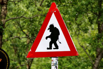 Beware - Trolls Operate In This Park, poetry by Amanda Steel at Spillwords.com