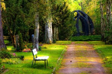 The Park Bench, short story by Nancy Lou Henderson at Spillwords.com