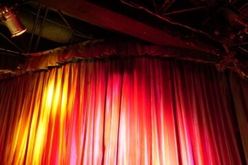 The Coffee House Stage, poetry by Elizabeth Sams at Spillwords.com