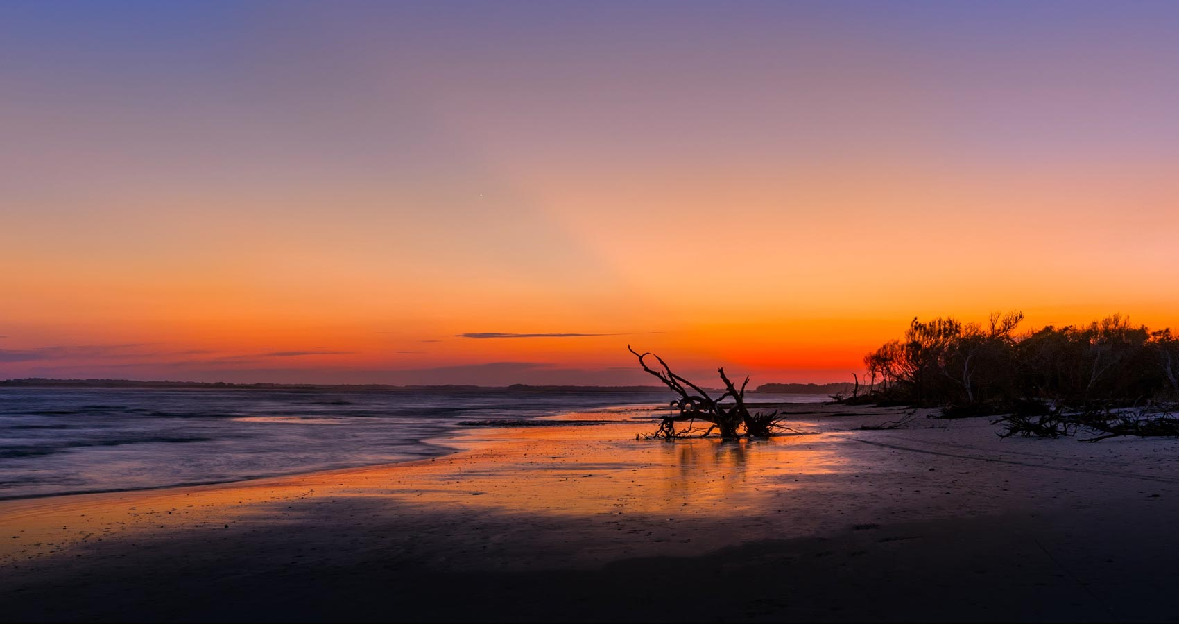 On Folly Beach, a poem by Kenneth Vincent Walker at Spillwords.com