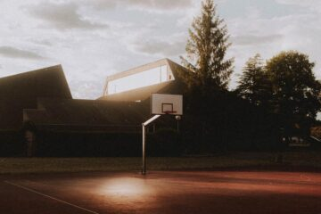 Hoops, poetry written by Stephen Kingsnorth at Spillwords.com
