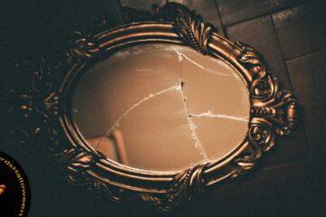 Ruptured Looking Glass, poetry by Martina Rimbaldo at Spillwords.com